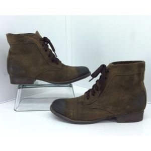 Zigi Girl Fleet Brown Ankle Boots. Distressed
